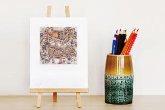 リサの陶器作品と1年を過ごすカレンダー